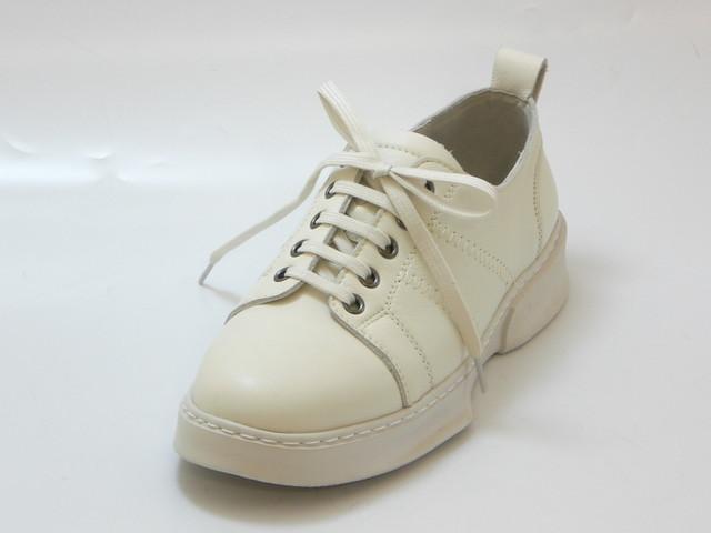 KISCO キスコ【軽量】ソフトレザースニーカー(アイボリー)レディース シューズ 靴セール品につき返品・交換・キャンセル不可