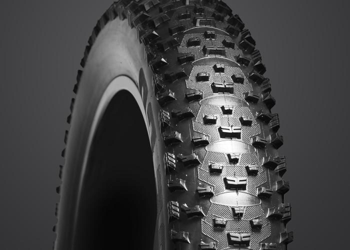【VEE RUBBER ファットタイヤ】VEE SNOWSHOE 2XL 26×5.05 KEVLAR自転車 ファットバイク 26インチ タイヤ