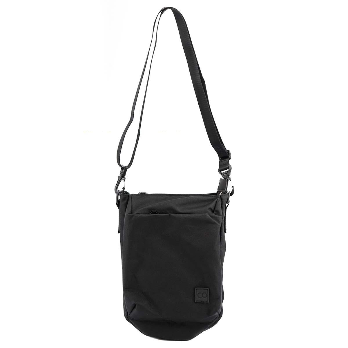C6 シーシックス ショルダーバッグ 2019年-2020年秋冬新作 C2086 Fermis Pouch メンズ 男性 BLACK ブラック カバン 鞄【送料無料 並行輸入品】