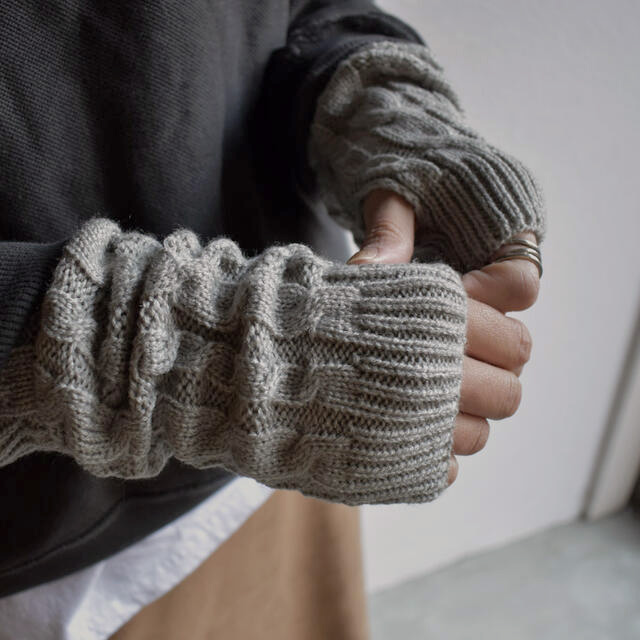 ネコポス送料無料 セットアップ ファッション通販 ケーブル編みアームウォーマー ショート ブラック グレー モカ ショートサイズ