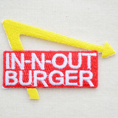 标识徽章In-N-Out Burger界内和出界汉堡包LJW-133熨斗附饰物补丁拉丁字母徽章名字军事车迪士尼徽章