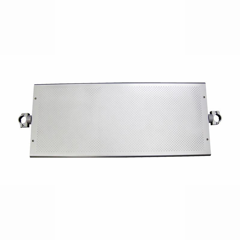 2020モデル 棚板は15度づつ回転させられますので棚板としての使用は勿論 角度を変えて ディスプレイボードとしてもお使いください お気に入り パンチング連結棚板 金具 奥行370mmタイプ シルバーHSS31