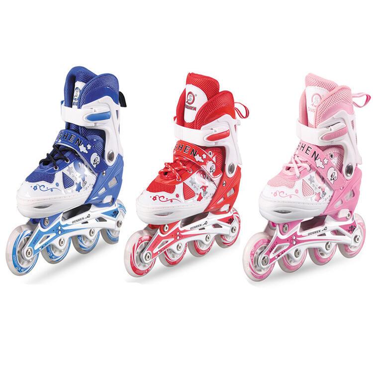 お子様に大人気のインラインスケート インラインスケートシューズ 新色追加して再販 光ウィール 大人用 子供用 アウトドアスポーツ おトク キッズプレゼント サイズ調整可能 スケートシューズ