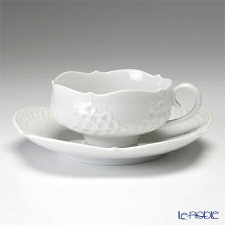 マイセン (Meissen) ホワイトレリーフ 000001/26633 ティーカップ&ソーサー 150cc【楽ギフ_包装選択】【楽ギフ_名入れ】 白 食器 おしゃれ ブランド