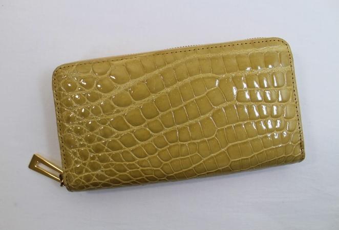 クロコダイル 長財布 レディース メンズ シャイニング クロコダイル 財布 ヘンローン社製 ボンベ加工 ラウンドファスナー ゴールド金具 ベージュ 1点限り