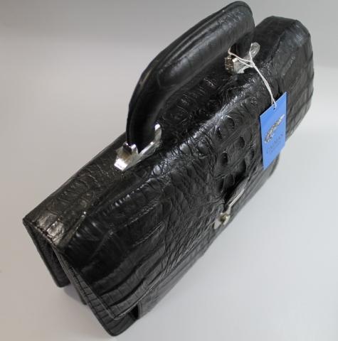カイマンバッグカイマンバッグメンズセカンドバッグダイヤルロック式開閉最上級品カイマンバッククロコダイルバッグワニ本革ブラック