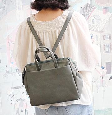 ラム革 日本製 レザーバッグ 大容量 国産 リュックサック 革鞄 大人かわいい Ladies ヴィアドアン レザー プレゼント 誕生日 DOAN VIA レディース ギフト 牛革