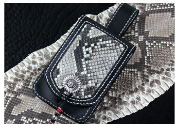 【携帯ケース】ベルトループ付き手縫い 革携帯ケース マットパイソン(牛革/日本製(レザーハウスオリジナル))