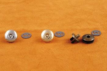 毎日がバーゲンセール キャッチ側に棒があり はずれにくいマクネです マクネΦ18mm クラフト社 1個 全3色 レザークラフト クラフト マクネ 革 マグネット 新生活 マグネ マグネットホック ハンドメイド