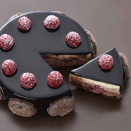 送料無料 ショコラフランボワーズ 超人気 専門店 3種のチョコレートの味わいにフランボワーズの酸味が調和するケーキです☆ 内祝い 記念日 誕生日 現金特価