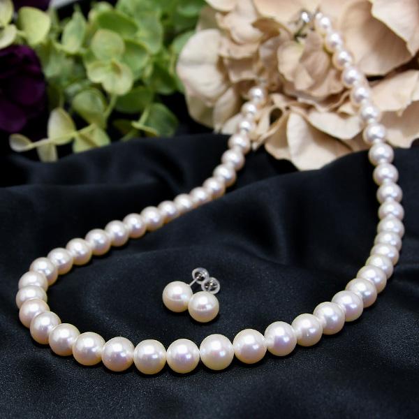 ホワイト 8mm 淡水真珠 ネックレス ピアス/イヤリング セット 澄んだ輝きを放つ正統派パール!