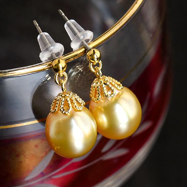 10mm ゴールド 白蝶真珠 ピアス/イヤリング しっかり色ののったテリ良しゴールド南洋パールがプチプラ!