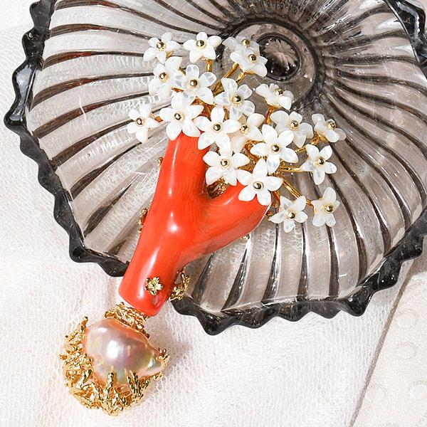 珊瑚 バロック 淡水真珠 ブローチペンダント メタリックに輝くレインボーパール! KA40