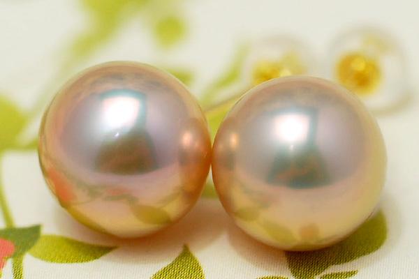 K18YG 特級 10mm 淡水真珠 ピアス/イヤリング メタリックな輝きの極上大珠真珠は人目を引く存在感!