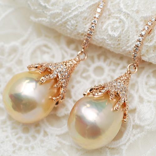 特級特大バロック淡水真珠ピアス パールに浮かぶメタリックカラー!ジルコニア煌めくピンクゴールドカラーの金具がとても華やか♪ KA38