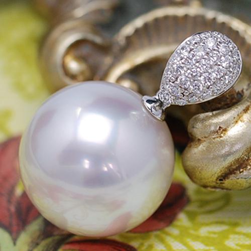16mm白蝶真珠&ダイヤモンドK18WGペンダントトップ 特大真珠が放つ圧巻のオーラ!気品あふれる純白と華やかなパヴェデザイン