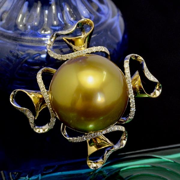 【チェーンプレゼント】16mm 黒蝶真珠 ダイヤモンド K18YG ペンダントトップ 超極レアのナチュラルゴールドカラー! 希少な特大サイズ KA10