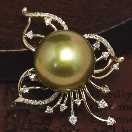 13mmゴールド黒蝶真珠K14YGペンダントトップ 超激レアカラーの極上品! ゴールドを発色する黒蝶真珠の特級大珠の逸品です! KA10