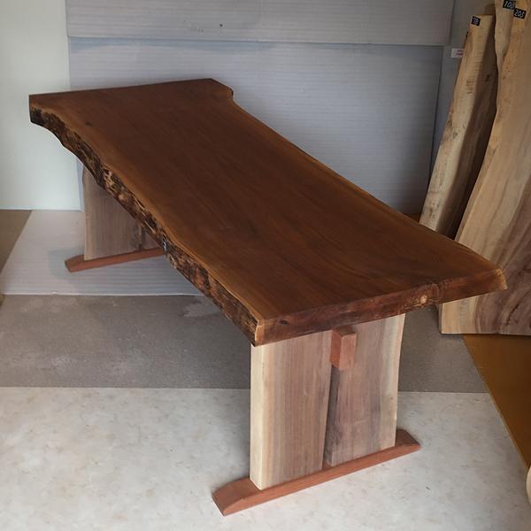 天然銘木一枚板 ブラックウオールナット ダイニングテーブル 天板 一枚板 無垢 天然木 木脚付き オイル塗装仕上げ ws-199