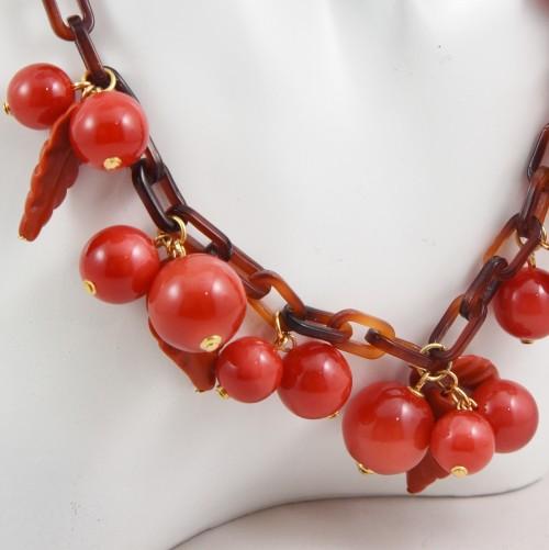 【中古】【未使用品】ヴィンテージ 赤い実のネックレス 60年代 アクセサリー レディース パリ インポート オールドプラスチック