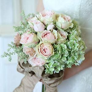 ウェディングブーケ 造花 ブーケ プレシャスローズとエメラルドグリーンアジサイのオーバルラウンドブーケ | ウエディングブーケ ブライダルブーケ ウェディング ウエディング ブライダル ラウンド あじさい バラ 結婚式 おしゃれ 海外挙式 リゾート婚 花嫁 前撮り 大きい