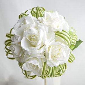 ウェディングブーケ 造花 ブーケ ホワイトローズとミスカンサスのラウンドブーケ ブートニア 付き | ウエディングブーケ ブライダルブーケ ウェディング ウエディング ブライダル ラウンド グリーン 緑 バラ 結婚式 白 ホワイト おしゃれ 海外挙式 リゾート婚 花嫁 前撮り