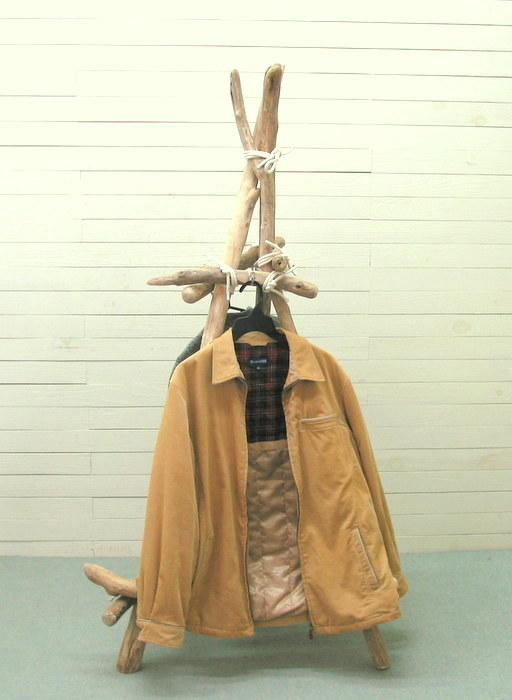 流木アートのレットイットビーの組立型多目的三脚タイプハンガースタンド ka85 インテリア店舗用家具