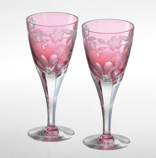 カガミクリスタルペアワイングラス<桜>ギフト 出産内祝い 新築内祝い 入学内祝い 結婚内祝い 快気祝 御礼 プレゼント 記念品 誕生日 母の日
