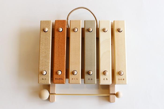 *ポイント15倍!!【送料無料(一部地域除く)!!】オークヴィレッジ 小さな森の合唱団 童謡版 (玩具・知育玩具・楽器・木琴・木製・出産祝い・幼児・ギフト・お祝い・プレゼント)
