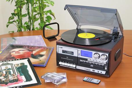 *【送料無料(一部地域除く)!!】クマザキエイム マルチ・オーディオ・レコーダー/プレーヤー ※代引不可商品(プレイヤー・ラジカセ・レコード・カセットテープ・CD・CD-R・CD-RW・SDカード・SDHCカード・USBメモリ)