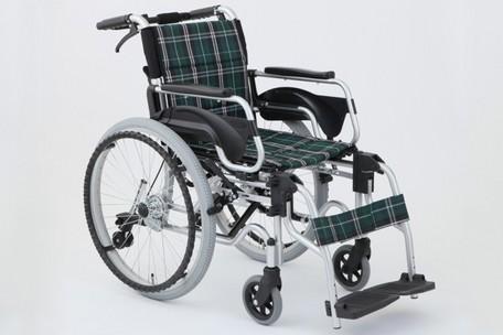*【送料無料(一部地域除く)!!】MIWA 多機能車いす デラックスII HTB-22DX(車イス/車椅子/車いす・介護用品・介護)
