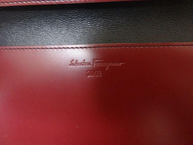 118378dc9c 0129【中古】Ferragamo ワインレッド パスポートケース レザー ...