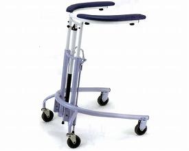 トレウォーク 日進医療器 歩行器(介護用品 歩行器 介護 高齢者 歩行器 シルバー)