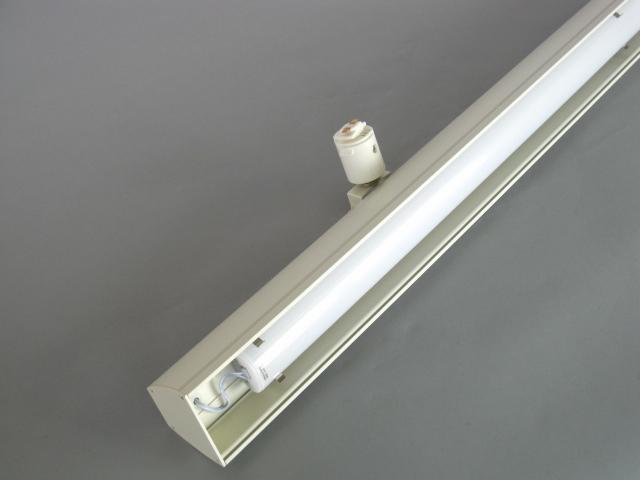【即納】 ☆LEDレールライト ベース☆ UFL-8452W-50 UNITY/ユニティ LED ダクトレールスポットライト ベースライト 自在型 1200mm 色温度5000K 本体白