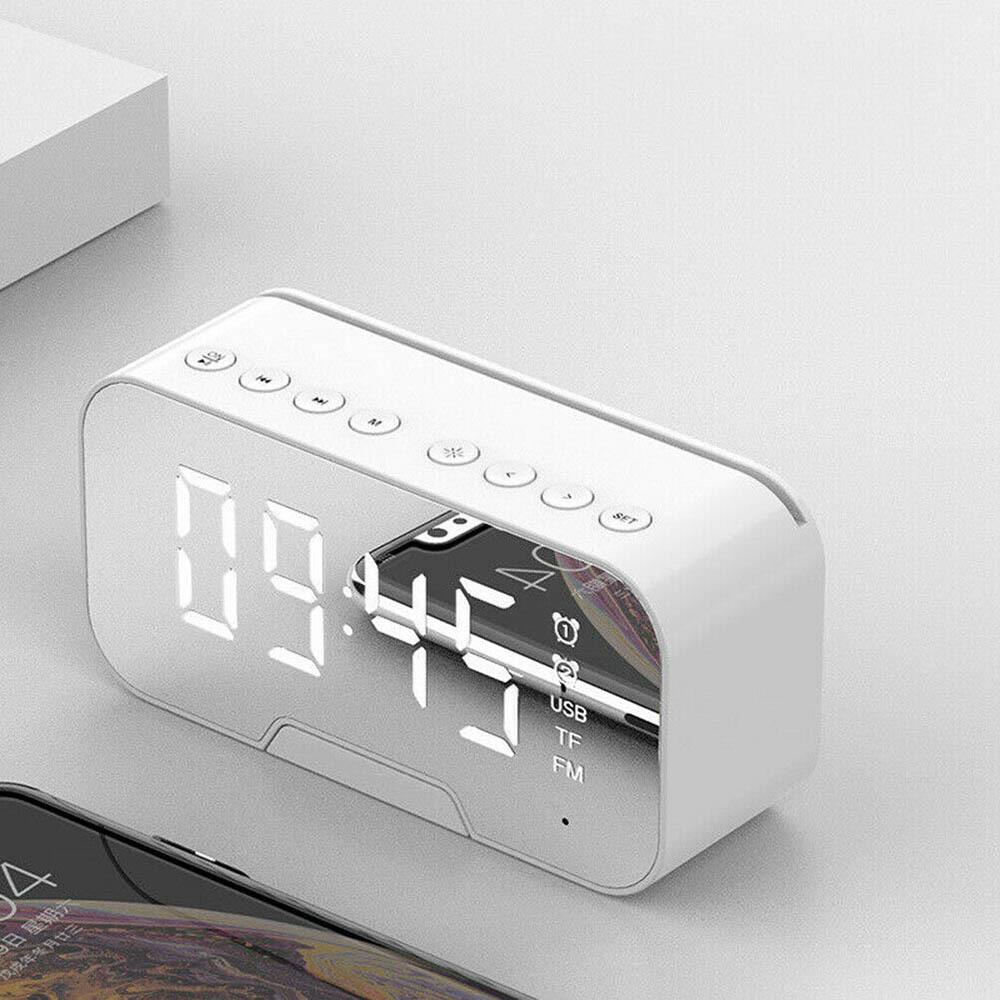 着後レビューで 送料無料 LED目覚まし時計 デジタル目覚まし時計 時計カレンダー 爆買いセール ワイヤレススピーカー MP3FMラジオ 白い