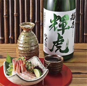越乃輝虎純米酒1.8L新潟县:高桥造酒[日本清酒][1800][1升瓶][长S]