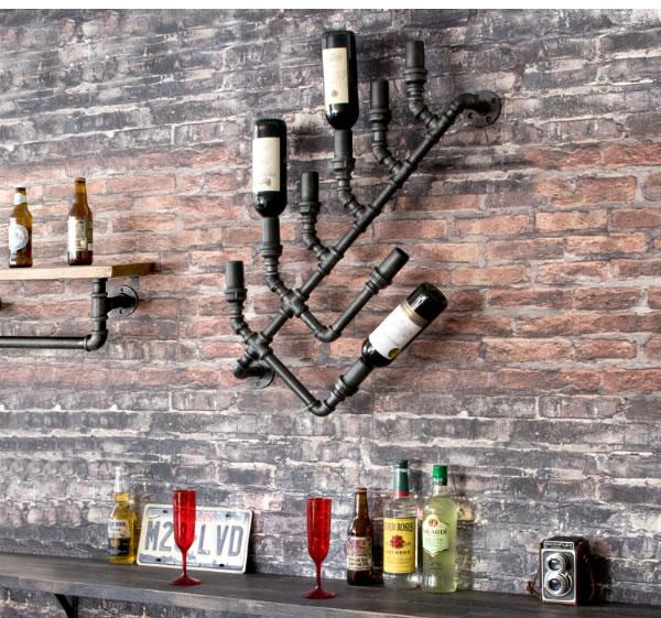工業製品のような重厚さを活かしつつ 日常で使えるようにデザインされたウォールワインラック 国内正規総代理店アイテム 配水管のデザインフレームに ワインを逆さまに8本収納可能 インダストリアル INDUSTRIAL 返品交換不可