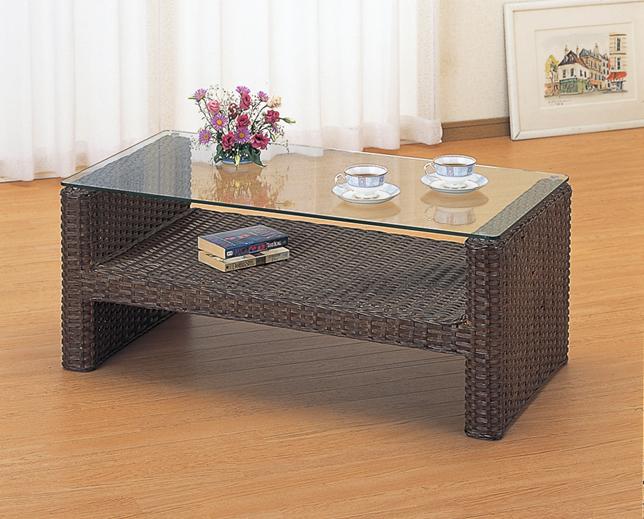 籐製テーブル