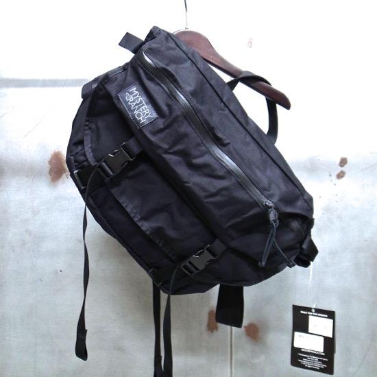 【 MYSTERY RANCH / ミステリーランチ 】 INVADER (Black) / インベーダー(ブラック) メッセンジャーバッグ ショルダーバッグ