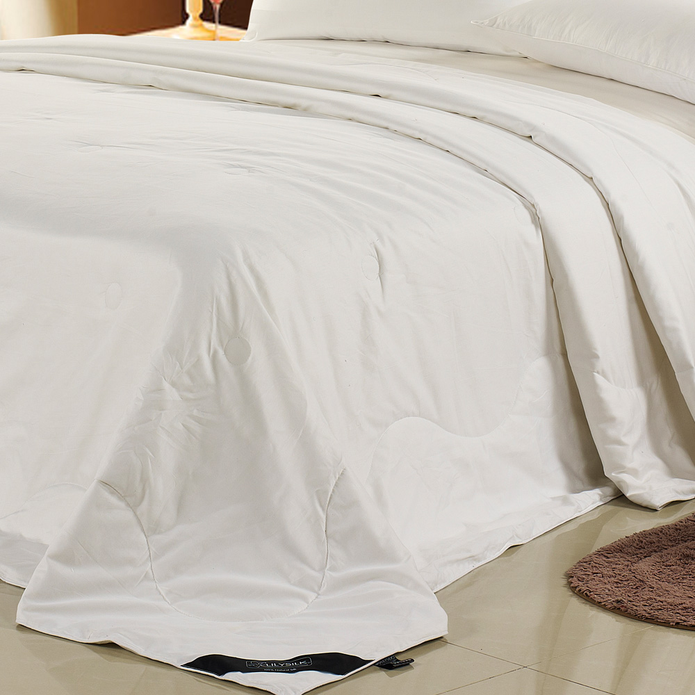 LilySilk 真綿布団 夏用 側生地:綿 シングル 150×210cm 0.75キロ シルク100% まわたふとん 肌掛け布団 手引き真綿布団 リリーシルク 送料無料
