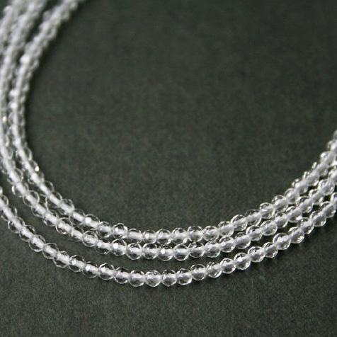 【再入荷】極小クリスタル(水晶)のネックレス(セミロング)14KGF/天然石アクセサリー・ゴールドフィルドジュエリー
