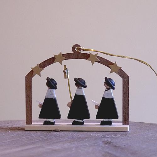 並行輸入品 一生の宝物 完全送料無料 上質な木製オーナメント クリスマス用品 リヒャルト 聖歌隊の星窓 グレーザー