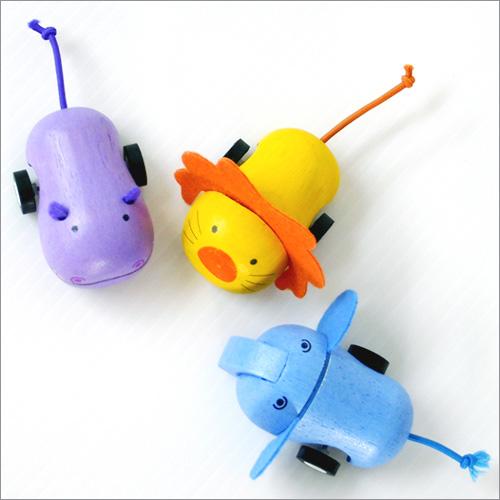 小さな木のおもちゃ プラントイ ☆最安値に挑戦 楽ギフ_のし ムービングアニマル 卓抜
