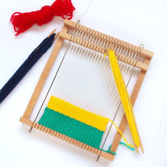 【小学校低学年用】クリスマスプレゼントにも!女の子へのプレゼントに最適!編み機おもちゃのおすすめは?