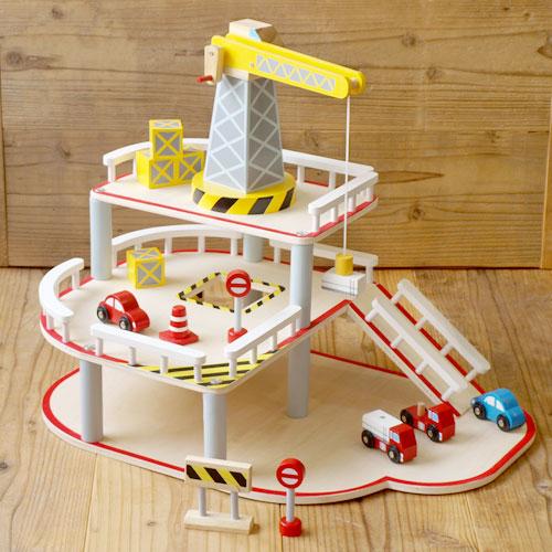 おもちゃ 車 木製 パーキングガレージ ガレージ くるま プレゼント 男の子 3歳 箱入り かわいい 輸入玩具 ギフト Egmont Toys エグモントトイズ 木製おもちゃ ガレージ