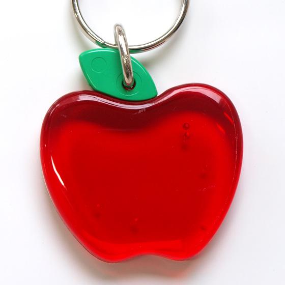 1a099156d374 みんなでお揃いに♪デンマーク製のかわいいリンゴのキーホルダー/LittleFellowsキーリング 【メール便対象商品】 キーホルダーおしゃれかわいい北欧雑貨輸入 ...