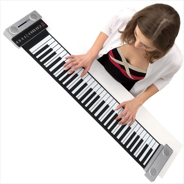 新・薄型ピアノ61鍵盤 軽量 ハンドロールピアノ ACアダプター付属 携帯楽器 電子ピアノ コンパクト キーボード 屋外演奏 61IIIHG