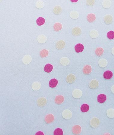 【送料無料】ドッツ4(ピンク)レースカーテン(マナトレーディング)とMANAS-TEXタッセルーファーリーのセット