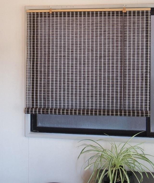 窓にさわやかな天然素材のロールアップスクリーン 売買 国際ブランド 麻スクリーン ブラウン RH-622 88cm×180cm