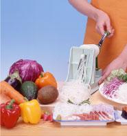 野菜がまるで麺のようになって切れる 本物 ベンリナー 菜麺器 時間指定不可 回転式スライサー かつらむき器 ベジタブルカッター